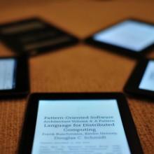 Kindle Paperwhite が社内で流行っています