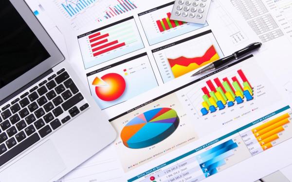 データで見る、Facebookページの自社分析・他社比較方法